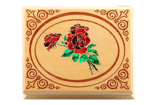 szkatułka z inkrustowaną różą